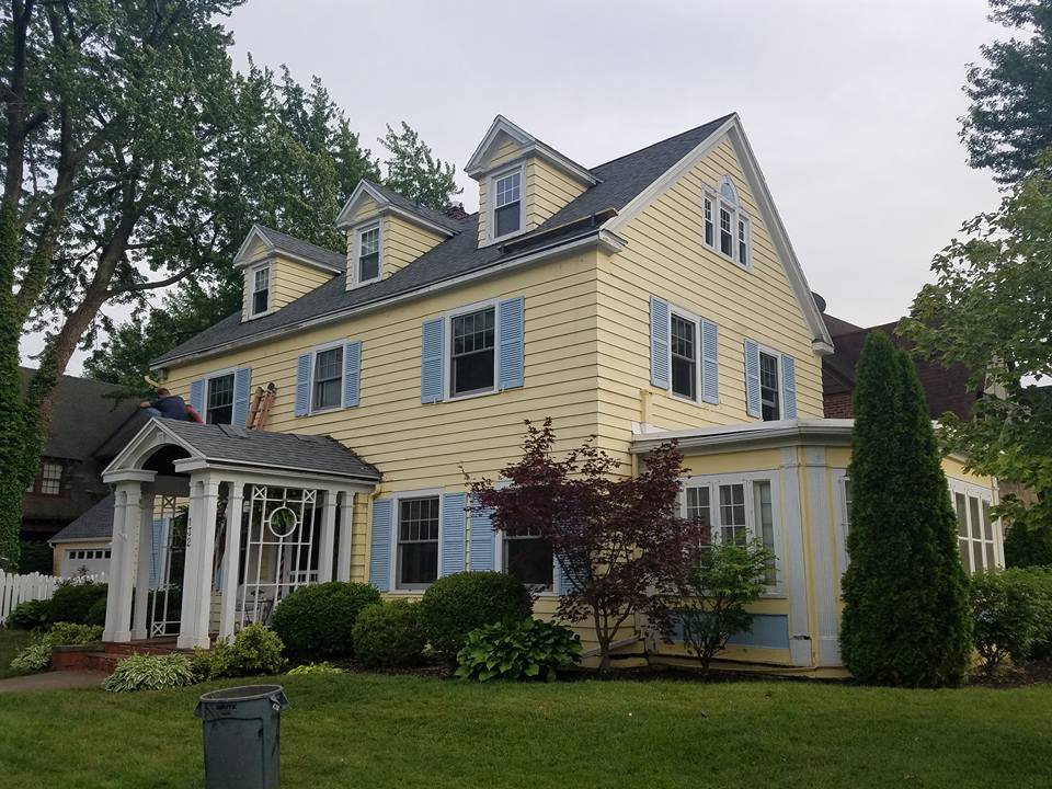 Updated siding & roof in West Seneca, NY